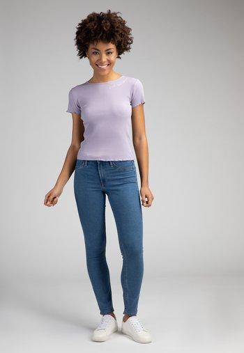 ALIZA - Print T-shirt - lila