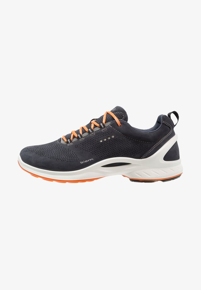 BIOM FJUEL - Walking trainers - navy