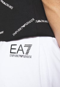 EA7 Emporio Armani - Shorts - white/black - 5