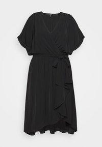 Forever New Curve - MELINA BATWING RUFFLE WRAP DRESS - Vapaa-ajan mekko - black - 0