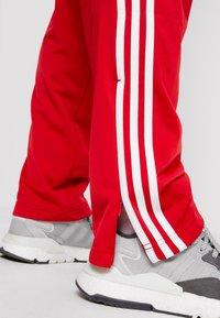 adidas Originals - FIREBIRD ADICOLOR TRACK PANTS - Træningsbukser - scarlet - 4
