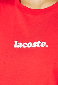 Lacoste - T-shirt print - energy red/white - 4