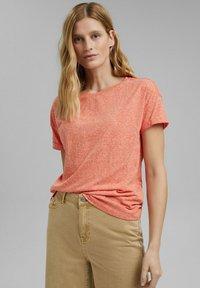 Esprit - PER COO CLOUDY - Basic T-shirt - orange red - 0