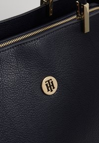 Tommy Hilfiger - CORE TOTE - Shopping bag - blue - 6