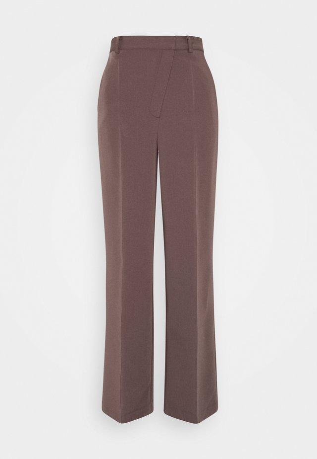 MATIAMU BY SOFIA SUIT PANTS - Trousers - purple