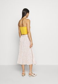 Glamorous - PRINTED MIDI SKIRT - A-Linien-Rock - nude - 2