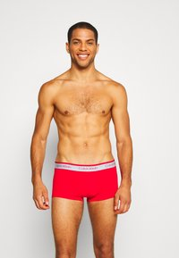Calvin Klein Underwear - LOW RISE TRUNK 5 PACK - Pants - pink - 5