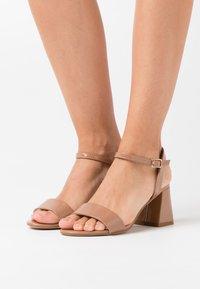 New Look - FLARE MID HEEL - Sandals - camel - 0