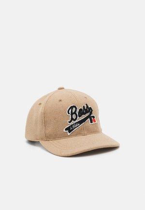 Boss x Russell Athletic HATS - Kšiltovka - medium beige