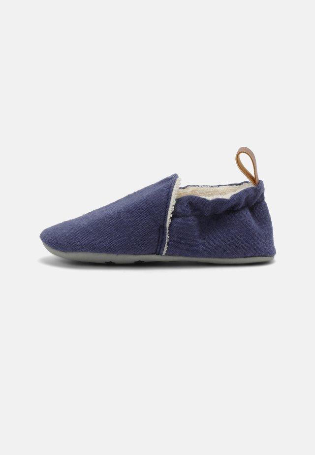 ORGANIC UNISEX - Babyschoenen - blau