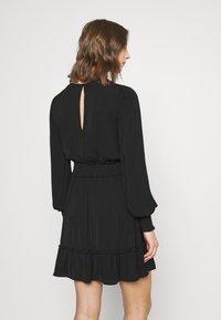 Forever New - JESSICA LONG SLEEVE SMOCK DRESS - Day dress - black - 2