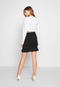 Nly by Nelly - SMOCK MINI SKIRT - Mini skirt - black - 2