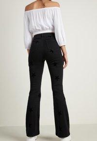 Tezenis - Bootcut jeans - nero - 2