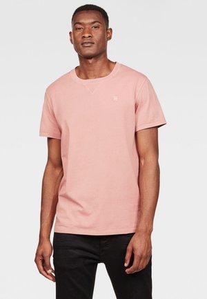 EARTH - Basic T-shirt - pink