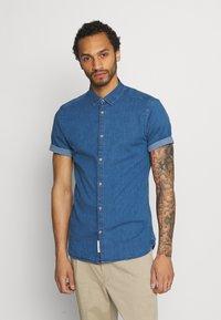 Only & Sons - ONSTROY LIFE CHAMBRAY STRETCH  - Overhemd - medium blue denim - 0