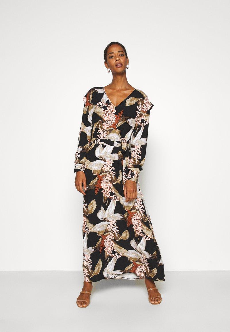 Object Tall - OBJLILITI LONG DRESS - Kjole - black