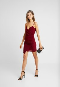 Missguided - SLINKY WRAP OVER MINI DRESS - Shift dress - burgundy - 2