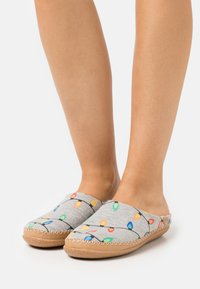 TOMS - IVY - Slippers - grey - 0