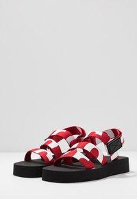 Proenza Schouler - Platform sandals - rosso/bianco - 4