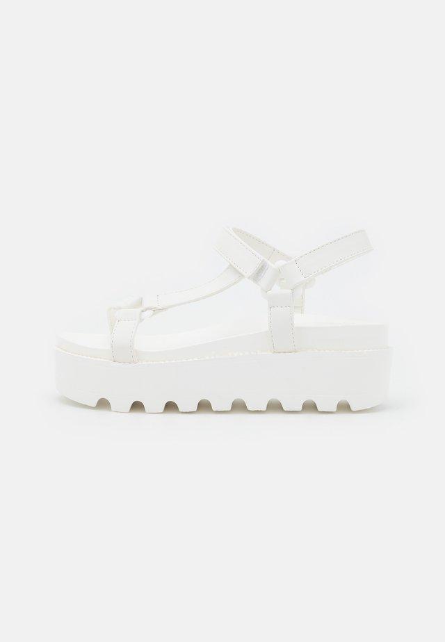 VEGAN AMARI BARELY THERE  - Sandalen met plateauzool - white