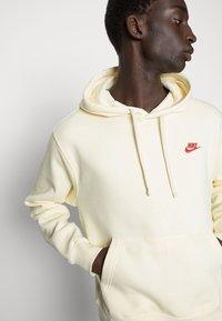 Nike Sportswear - CLUB HOODIE - Felpa - coconut milk - 4