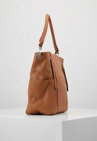 FREDsBRUDER - NEW TRUE - Handbag - dark camel - 3