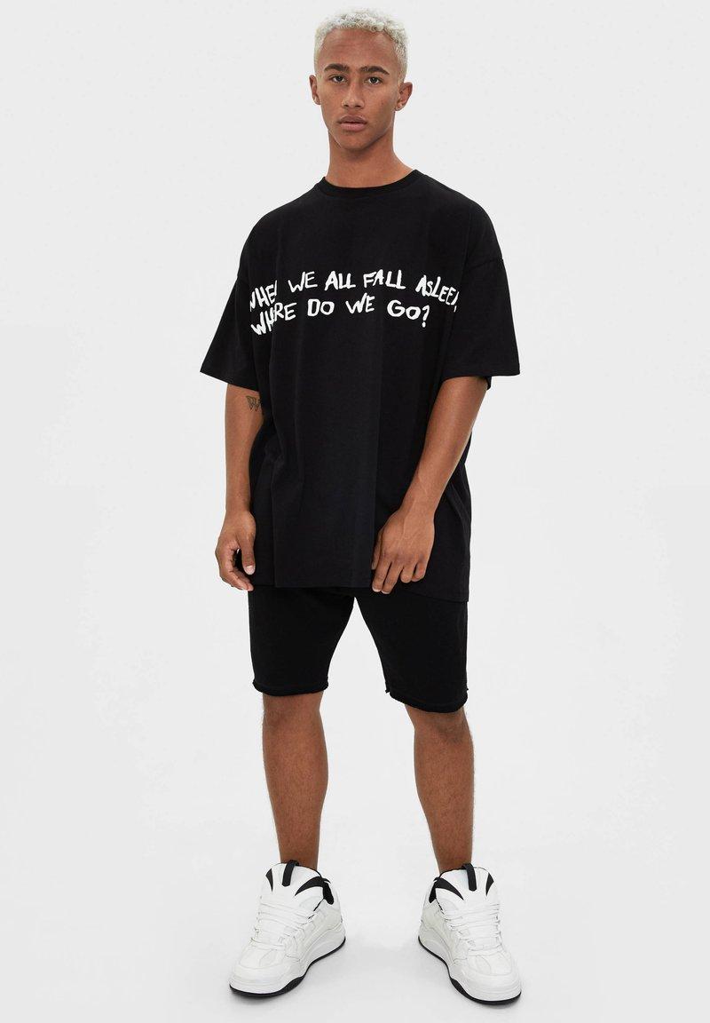 Bershka Billie Eilish Print T Shirt Black Zalando De