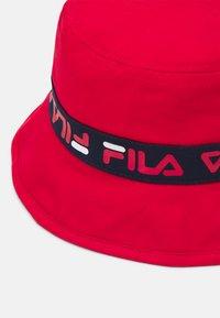 Fila - TAPED BUCKET HAT UNISEX - Hat - true red - 3