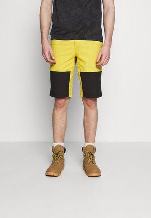 MEN'S CLIMB SHORT - Sportovní kraťasy - bamboo yellow/black