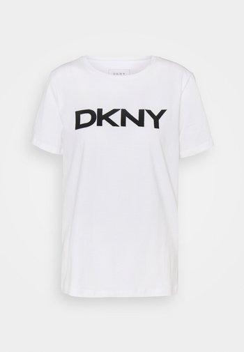 FOUNDATION LOGO TEE - Print T-shirt - white