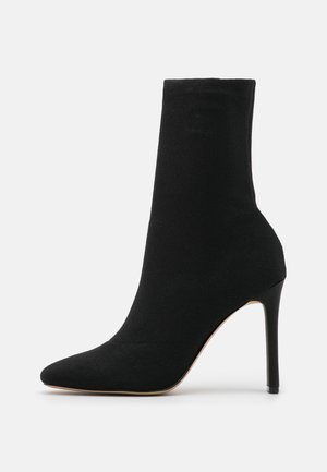 DELYLAH - Classic ankle boots - black