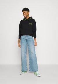 Tommy Jeans - TAPE HOODIE - Sweatshirt - black - 1