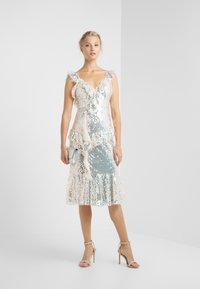 Needle & Thread - SCARLETT SEQUIN DRESS - Cocktail dress / Party dress - champagne/silver - 1