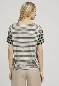 TOM TAILOR - Print T-shirt - beige black offwhite stripe - 2