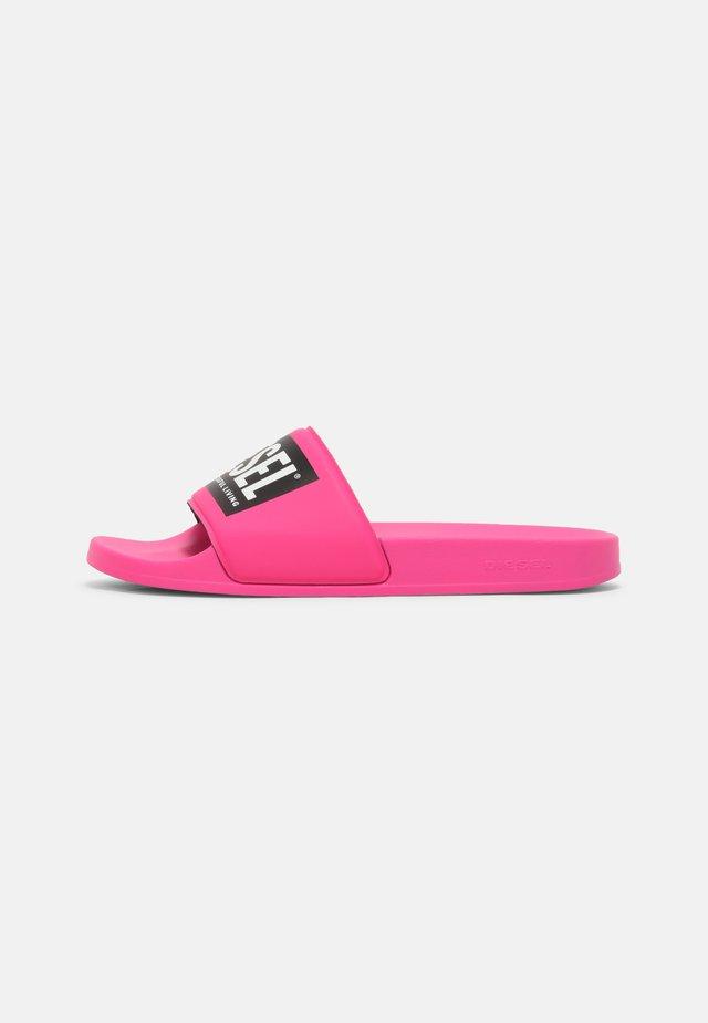 SA-MAYEMI - Klapki - pink