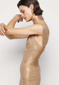 Hervé Léger - BANDAGE MINI DRESS - Cocktail dress / Party dress - rose gold - 3
