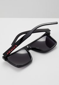 HUGO - Sunglasses - black - 3