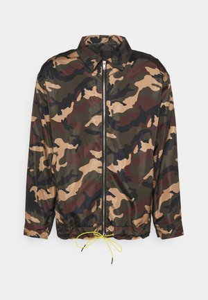 CAMO ZIP UP COACH JACKET - Summer jacket - khaki