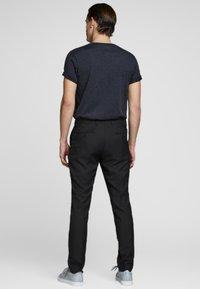 Jack & Jones PREMIUM - JPRSOLARIS  - Pantalon de costume - black - 2