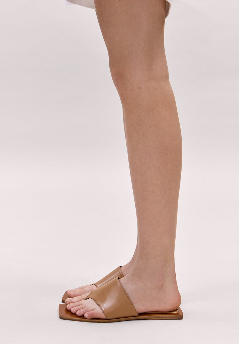 Massimo Dutti - JOIN LIFE - Mules - brown