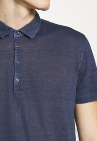 120% Lino - Polo shirt - dark blue fade