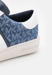 MICHAEL Michael Kors - KEATON STRIPE  - Sneakers laag - denim - 5