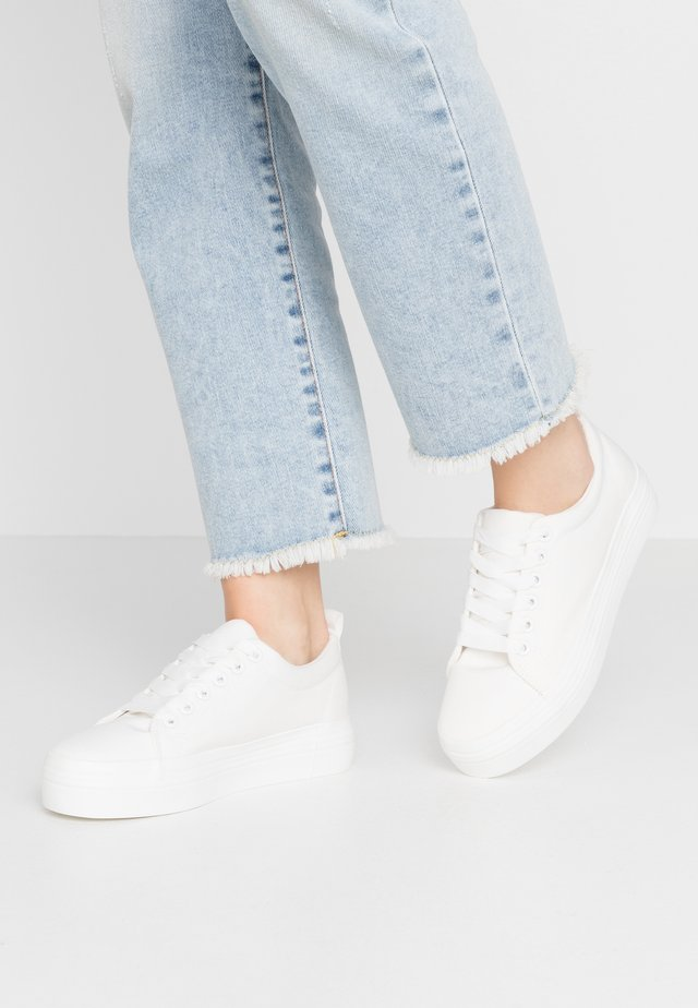 IYLA LACE UP - Sneakers laag - white