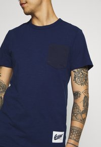 G-Star - CONTRAST PKT R T  - T-shirt print - imperial blue - 4