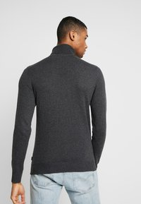 Jack & Jones - JJEEMIL ROLL NECK - Stickad tröja - dark grey melange - 2