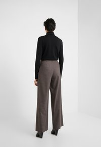 House of Dagmar - ANTIONETTE - Spodnie materiałowe - multi check - 2
