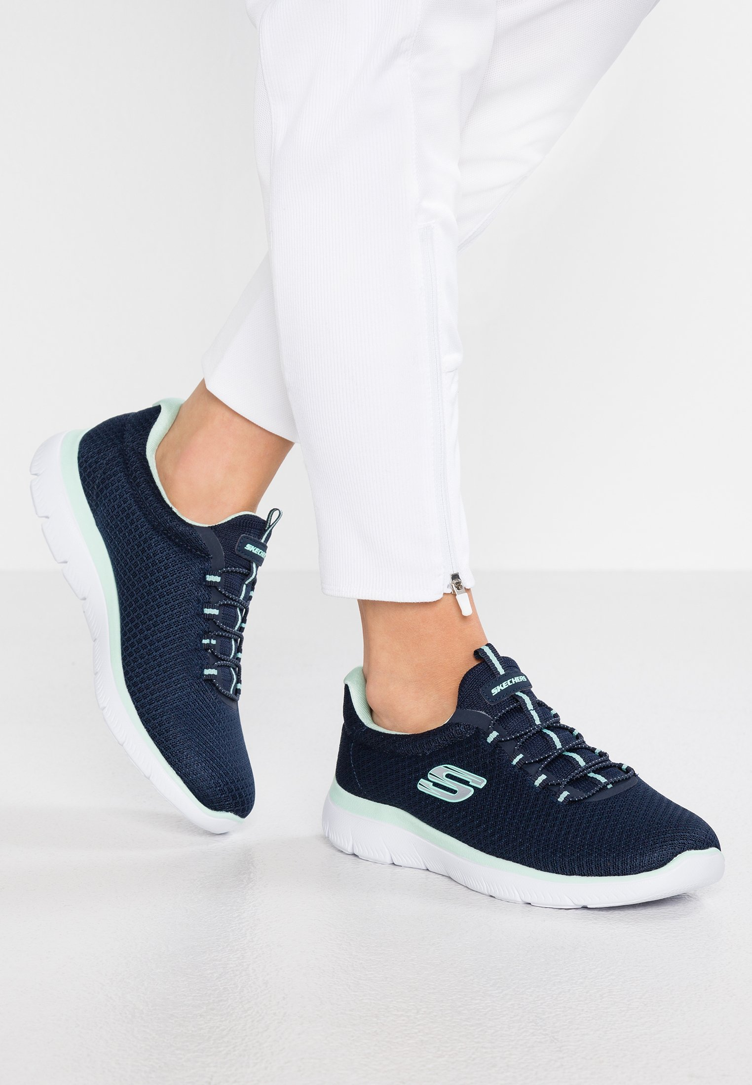 Skechers Wide Fit SYNERGY 3.0 Joggesko navy Zalando.no