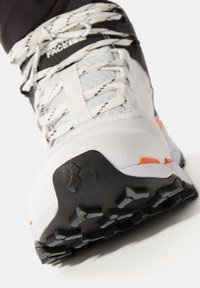 The North Face - M VECTIV EXPLORIS MID FUTURELIGHT - Outdoorschoenen - tnf white/tnf black - 6