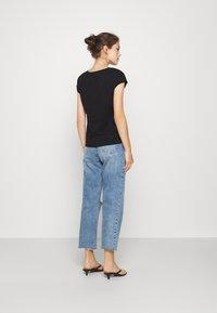 ONLY - ONLNOORA - Print T-shirt - black - 2
