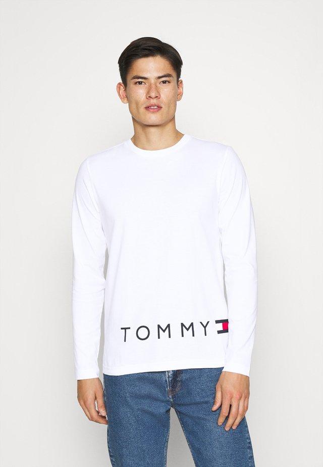CORP LOGO LONG SLEEVE TEE - Maglietta a manica lunga - white